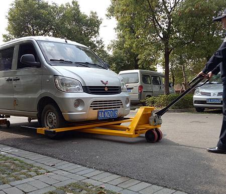 小区手动拖车器安装